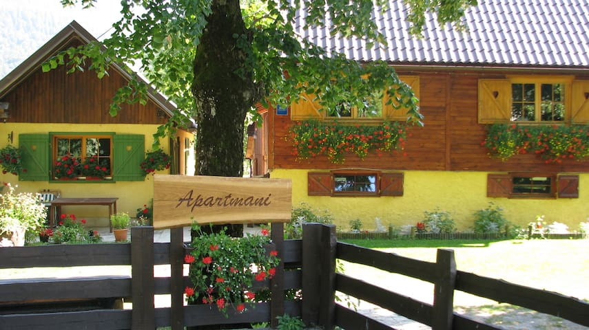 Bjelolasica ''Hansel and Gretel'' Apartment