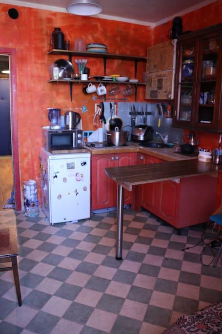 Кухня, зона готовки