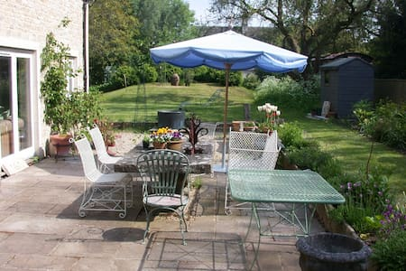 Stylish house and garden with private parking