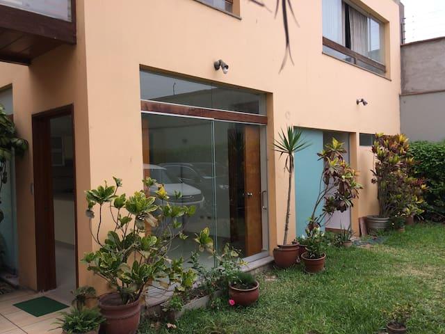 Mini departamento de estreno en Camacho - Surco - Distrito de Lima