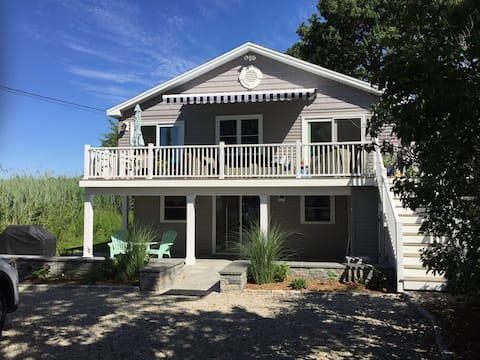 AMAZING GUEST SUITE just STEPS from BEACH!!!