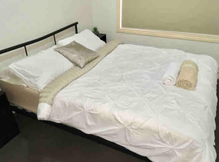 **Cozy **Relax** Room** 5mins from Airport