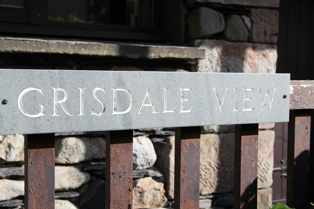 Grisdale View Sign