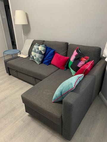 Lovely Sofa Bed (for 1 or 2) in a clean cosy home!