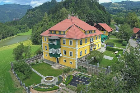 Holiday apartment with 2 bedrooms on 75m² in Friesach-Dürnstein