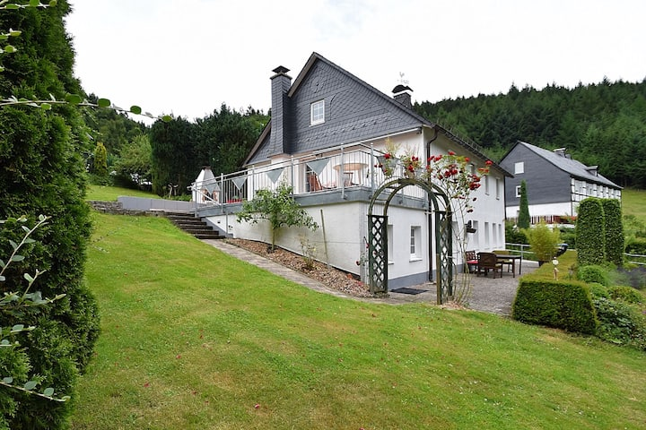 Detached holiday home with open fireplace and large garden with terrace