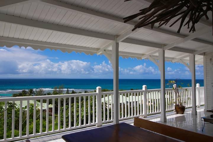 Villa 4 à 6 pers,VUE 180° pleine mer, accès plage