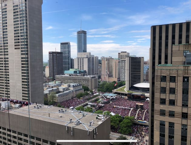 View from living room (day, during Raptors 2019 championship)