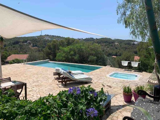Romantic space 5 stars with jacuzzi, pool. Sitges