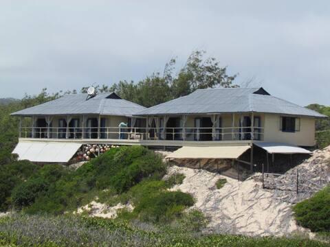 Pomene Iz-Ma-An Self Catering Lodge