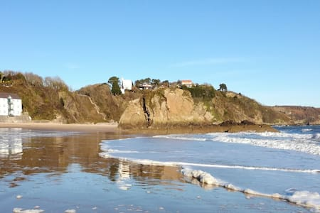 Sunny Cove-Beach front property .Tenby - Tenby - Apartamento