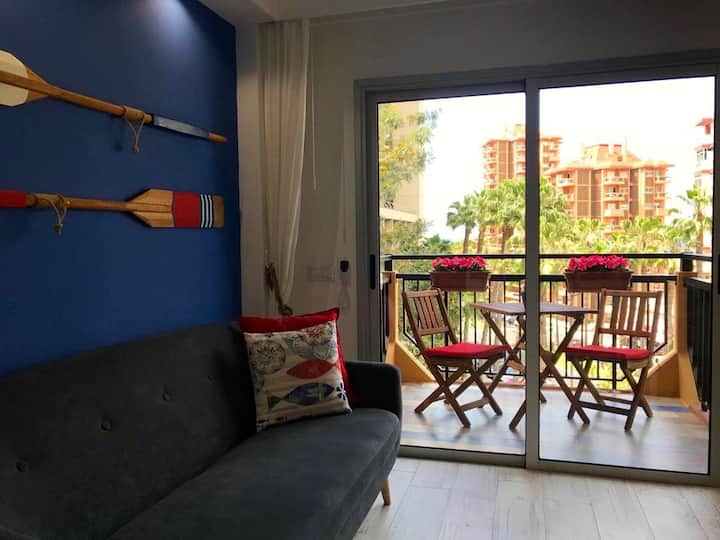 Lovely studio close to the beach w pool - WiFi.