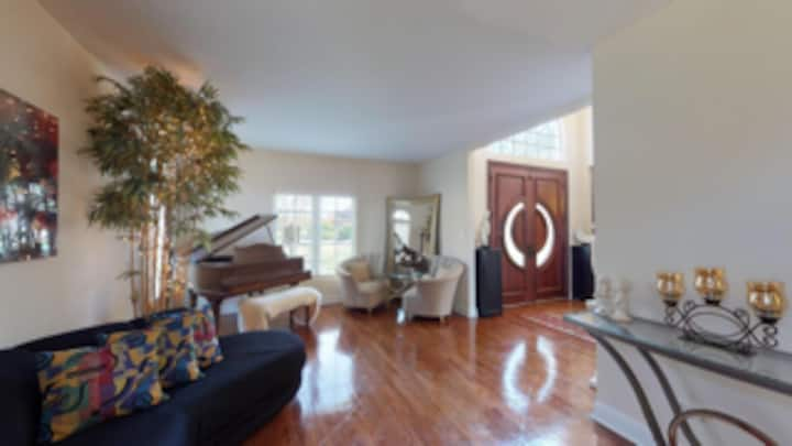 Luxury Estate /Lodging Only/No Parties/3 Ngt. min