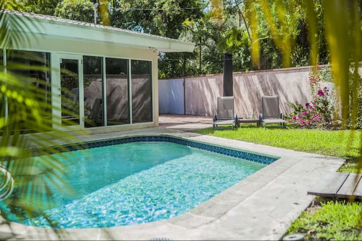 Spacious Pool Home in Lively Coconut Grove neighborhood  Restaurants, Shopping, Univ of Miami