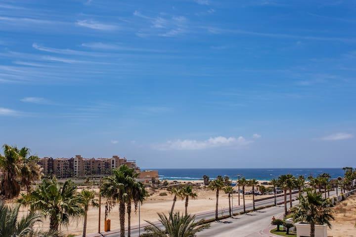 Oceanview Large  2br/2ba  Medano Beach-Best Value! - Cabo San Lucas - Appartement en résidence
