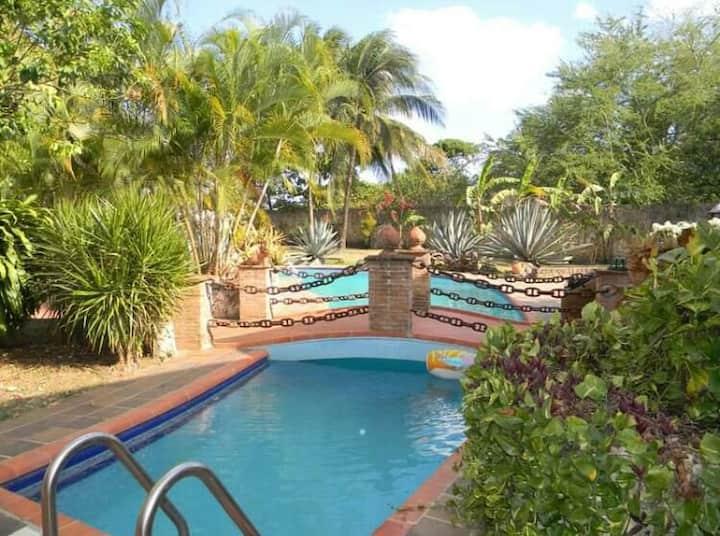 Villas con piscina/3 minutos de la playa