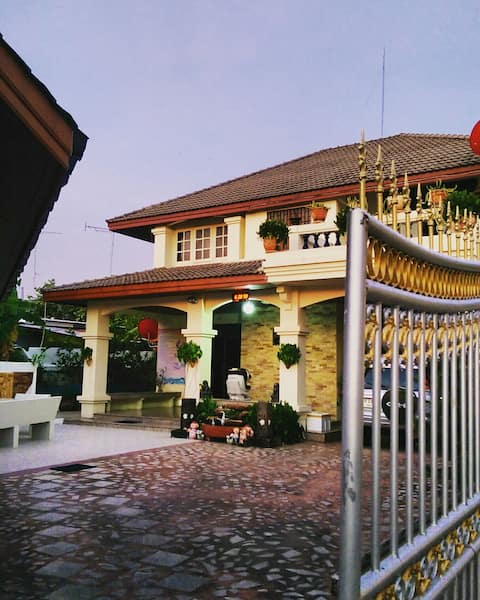 Charming house and local tour