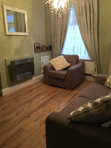 Comfortable Double in Terrace House - Leicester