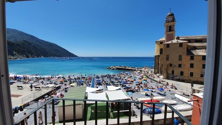 Best place beachfront in Camogli (010007-LT-0370)