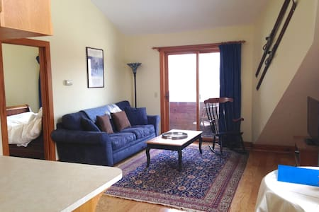 Charming Stowe Hollow One Bedroom