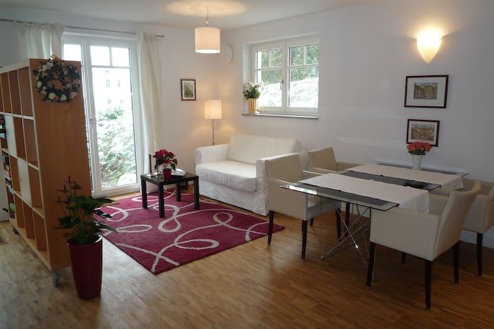Wohnung in Seenähe mit Bahnanschluss nach München
