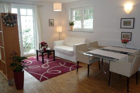Wohnung in Seenähe mit Bahnanschluss nach München - Schondorf am Ammersee - Apartment
