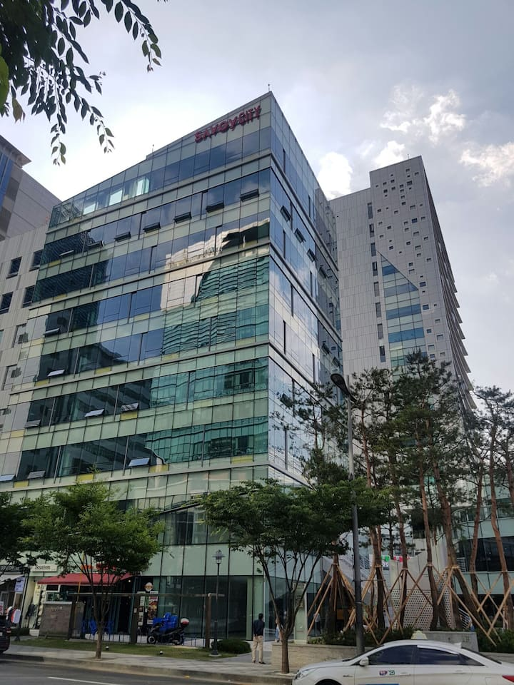 Savoy City-Located in the Korea main broadcast St.