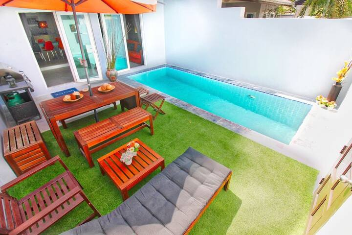 Hideaway Pool Villa - Cozy villa near BEACH!