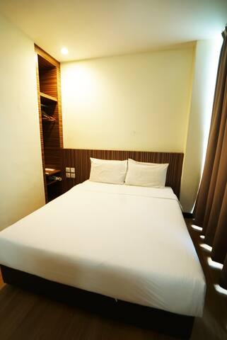 Cozy Hotel Double Bed,JB TOWN, Near KSL