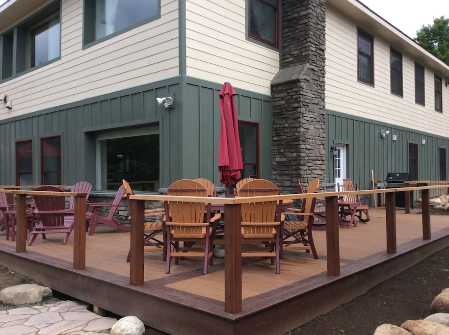 Nice Deck to Relax and Enjoy Your Morning Coffee, BBQ, and the Sunset.