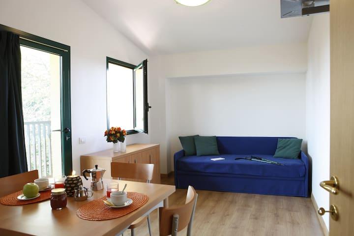 Bilocale con balconcino in Montagna - Pianezze - Apartament