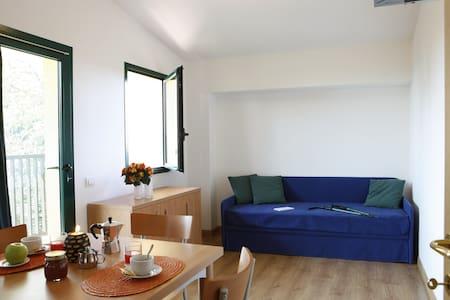 Bilocale con balconcino in Montagna - Pianezze - Apartamento