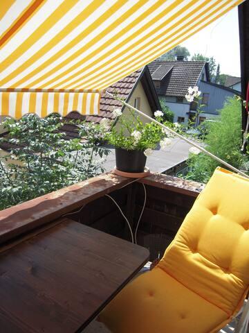 kleines zimmer mit balkon - Bregenz - Dom