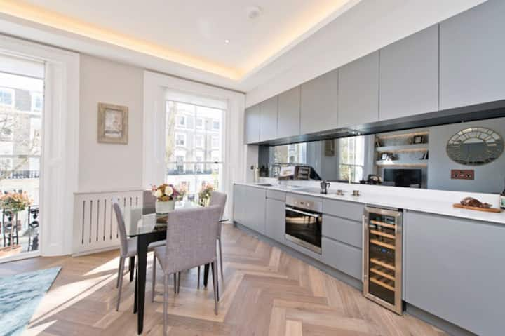 Newly refurbished in Notting Hill