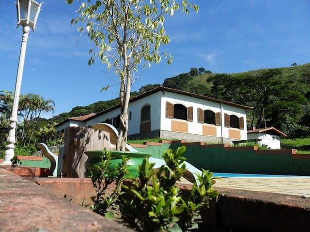 Casa de Campo Ampla para grandes famílias/grupos