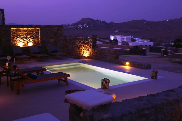 Gorgeous Cycladic Ortus Navy Villa w/ POOL (3bed/2bath) Sleeps 6!