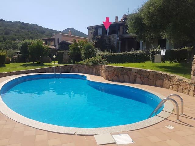 Appartamento con piscina veranda vista mare