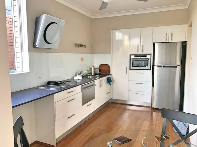 Stunning Riverview Penthouse great location - Lane Cove - Apartment