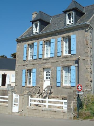 maison à l'Ile de Batz  vue sur mer minimum 2 nuit - Île-de-Batz - Casa