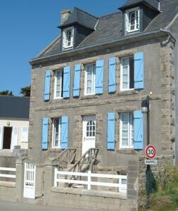 maison à l'Ile de Batz  vue sur mer minimum 2 nuit - Île-de-Batz - Huis