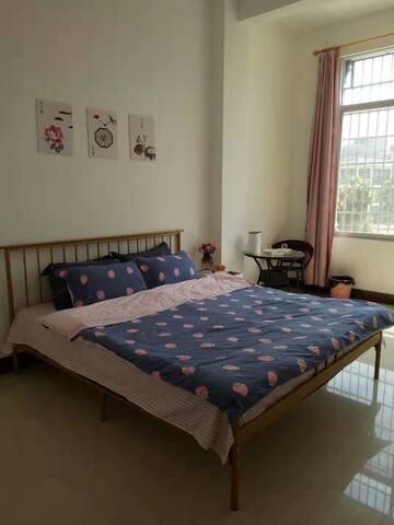 欢乐居   全新家具家电   干净舒适  环境清静1号房