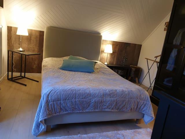 Chambre cosy 14 m2 avec balcon au calme