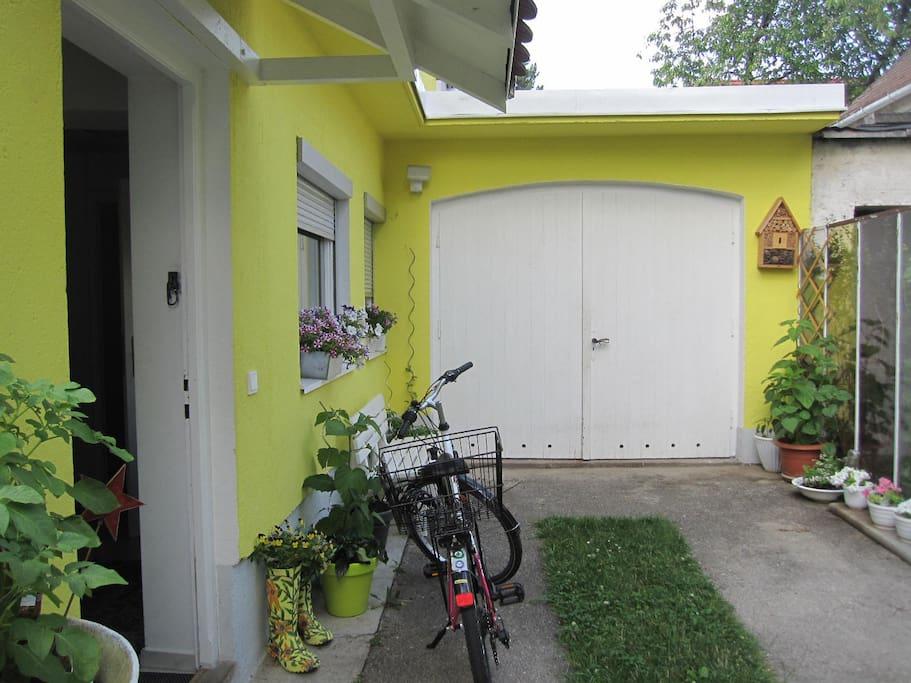 """Eingang """"Gelbes Haus"""" (Ostseite Garten)"""
