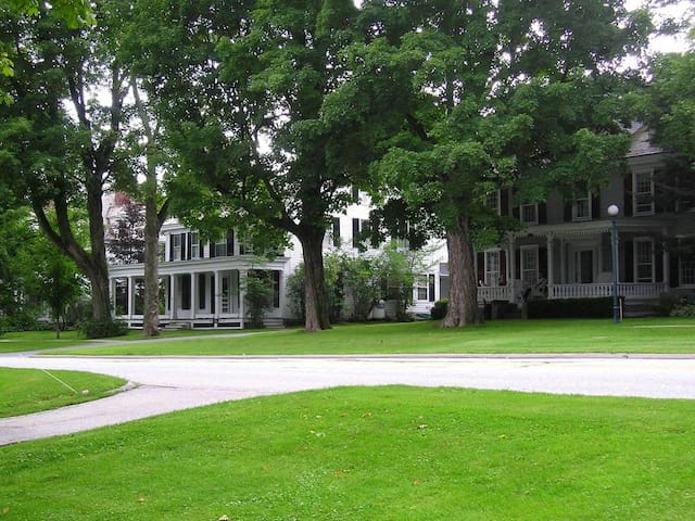 Wickham House ~ Historic Manchester Village