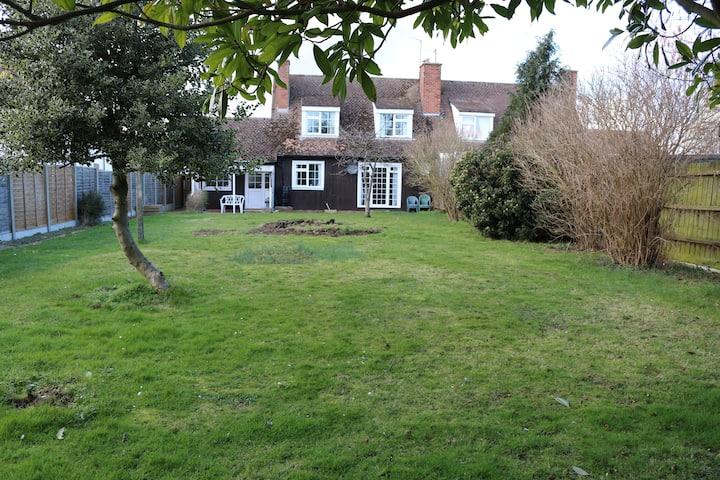Three bedroom house with garden, Alconbury village