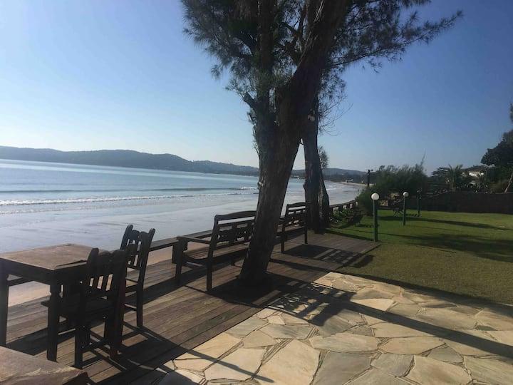 Casa na praia de manguinhos com excelente preço.