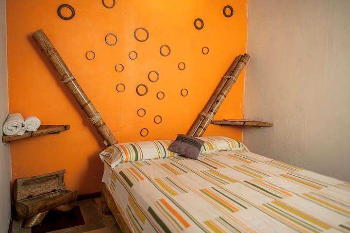 Kiwi hostel- Bambu suite - Mompiche