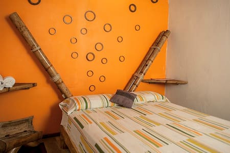 Kiwi hostel- Bambu suite - Mompiche - Vandrerhjem