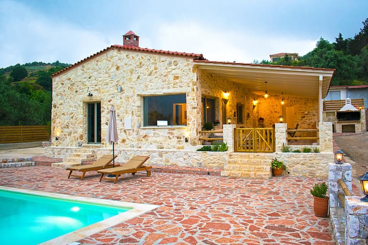 Villa Merina Heated Pool