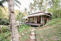 Apit+Yeh+Suite+Glamour+Camping++by+the+waterfall